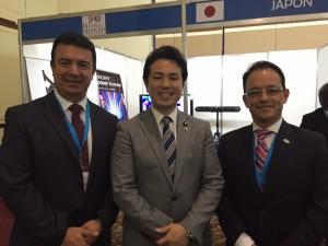 Ing. Eduardo Ponce y Lic. Ricardo Celis junto con Takashi Uto Parlamentario-Viceministro de Relaciones Exteriores de Japón